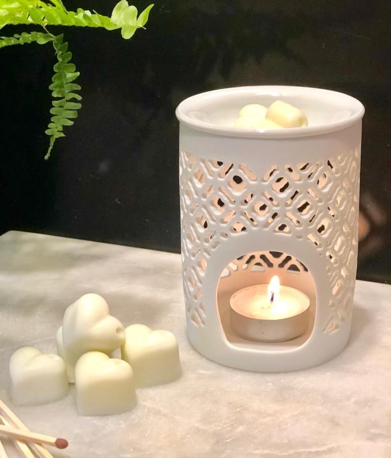 White Lattice cut out oil burner